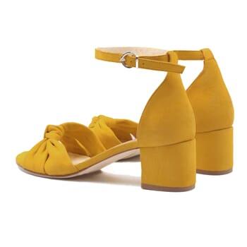 vue arriere sandales nœud cuir daim jaune jules & jenn