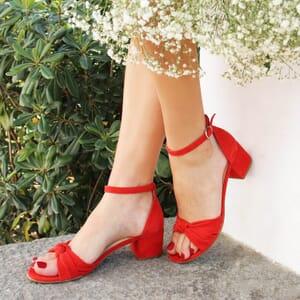 vue portee sandales nœud cuir daim rouge jules & jenn