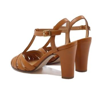vue arriere sandales talon brides cuir camel jules & jenn