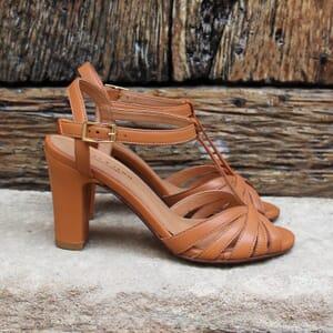 vue posee sandales talon brides cuir camel jules & jenn