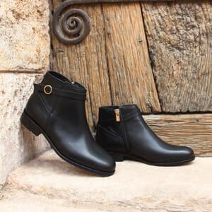vue posee bottines cavalieres plates cuir noir jules & jenn