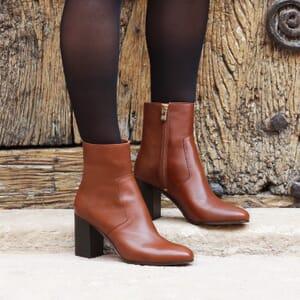 vue portee bottines talon essentielles cuir camel jules & jenn
