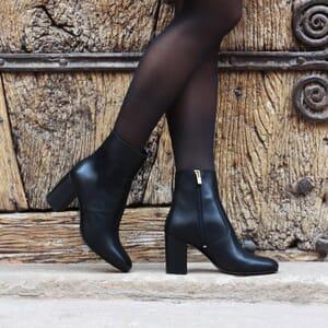 vue portee bottines talon essentielles cuir noir jules & jenn