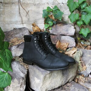 vue posee ranger boots col cuir nubuck noir jules & jenn