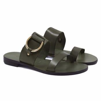 sandales plates boucle cuir vert jules & jenn