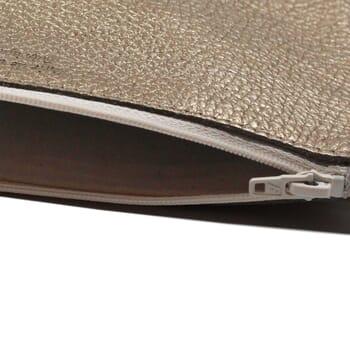 vue interieur pochette cuir graine metallise dore jules & jenn