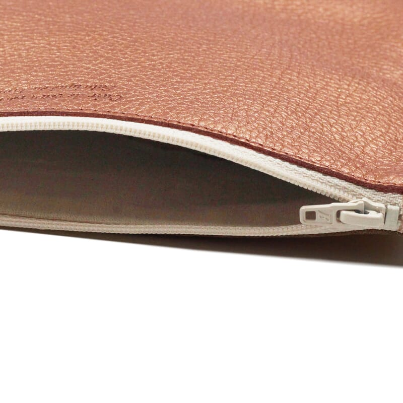 vue interieur pochette cuir graine metallise rose jules & jenn