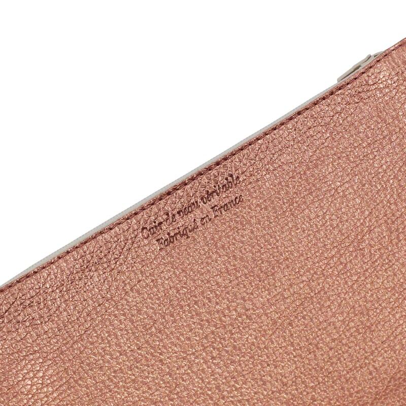 vue serree pochette cuir graine metallise rose jules & jenn