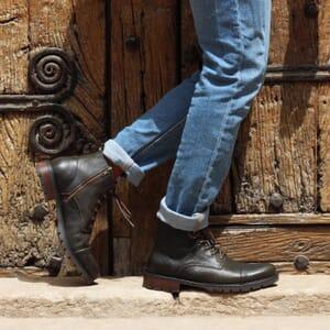 vue portee ranger boots cuir graine kaki jules & jenn