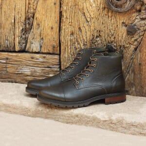 vue posee ranger boots cuir graine kaki jules & jenn