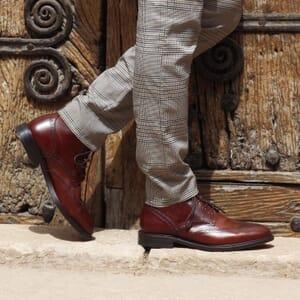 vue portee boots cousu goodyear cuir cognac jules & jenn