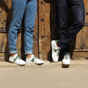 vue portee baskets made in France cuir blanc kaki jules & jenn
